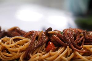 Spaghetti con i polipetti di Carmela Abbate